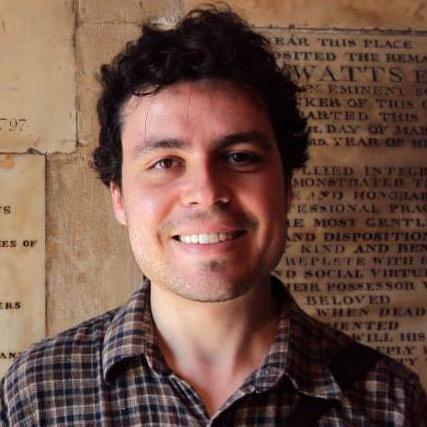 Dr. Lucas G. Freire